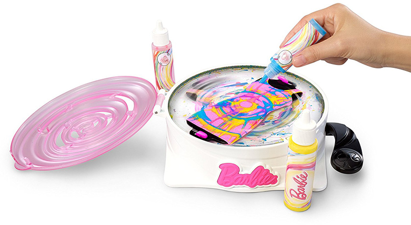 Barbie Gira y Diseña