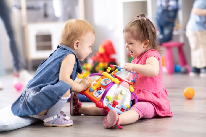 Cómo animar a los niños a compartir